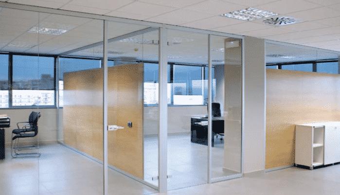 Noticias divicat faricantes de mamparas de oficina for Puertas para oficinas precios